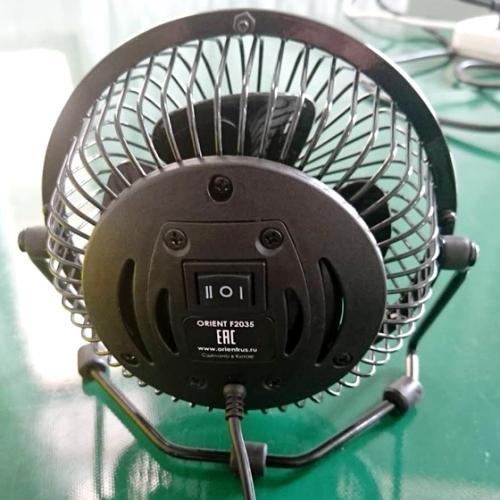 Настольный вентилятор Orient F2035 от USB, 2 скорости, рег-ка наклона, металлический защитный кожух, чёрный