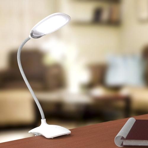 Настольная лампа Ritmix  LED-420  18LED.4Вт, питание от USB плюс встр. акк.500 мАч(3часа),три уровня яркости,прищепка,белая